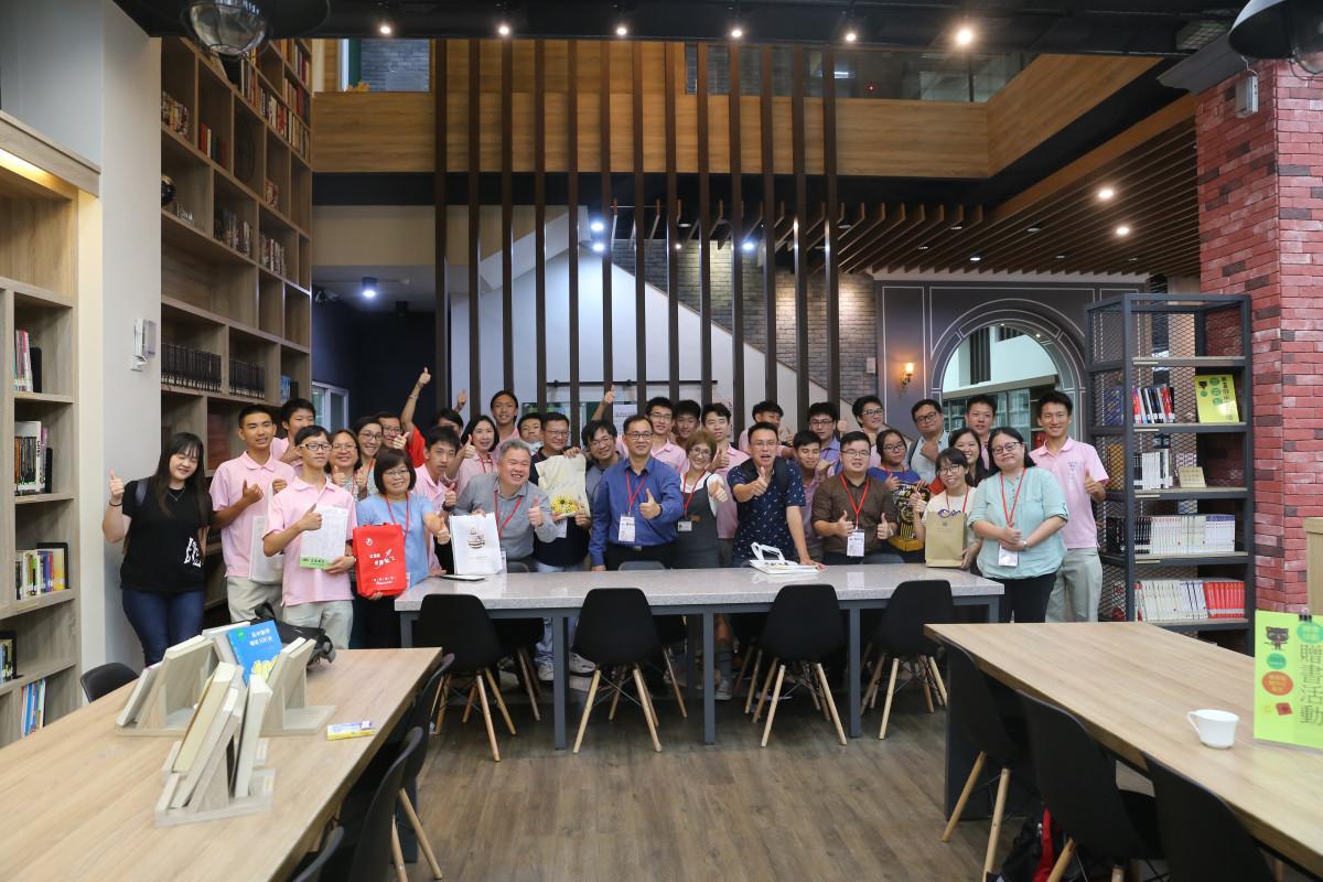 108.08.13馬來西亞華文獨中圖書館參訪團蒞校交流