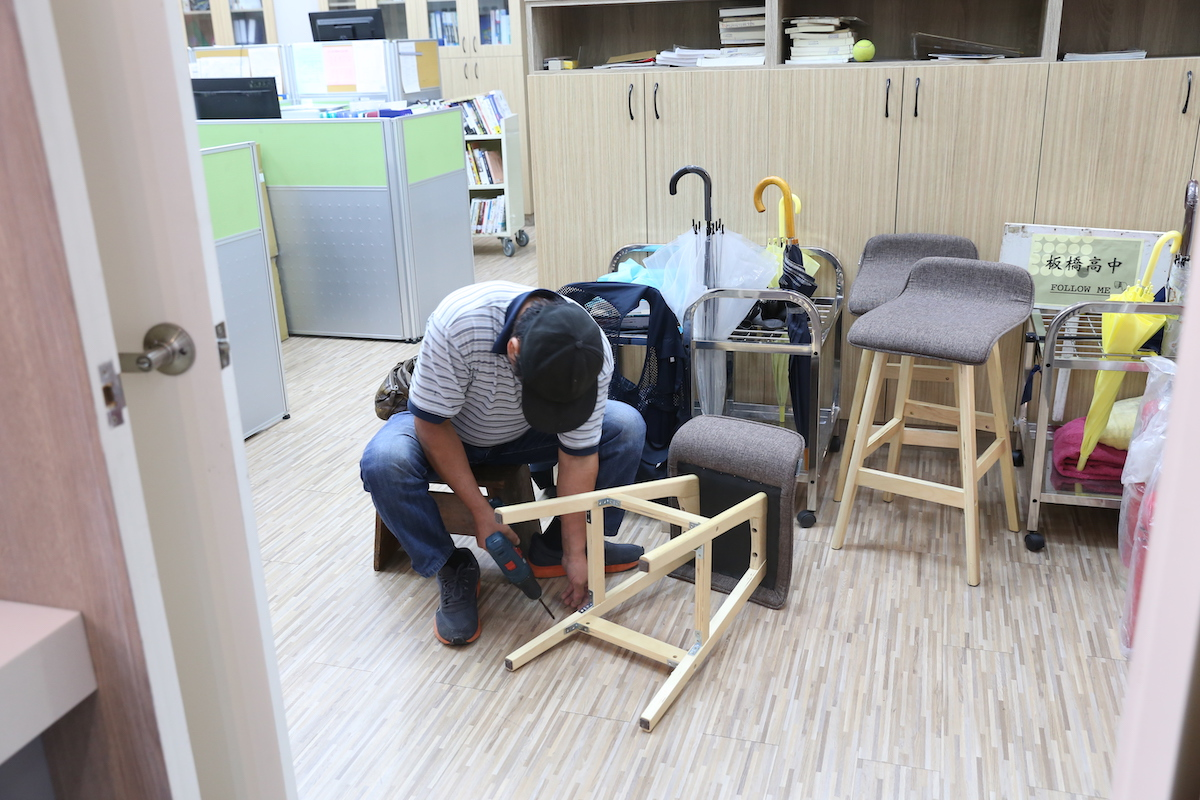 校慶暖身週 week before the anniversary day in library: tks to our repairman